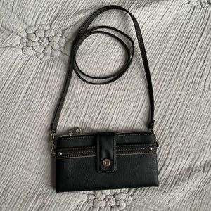 New Relic Black Faux Leather Cross Body Wallet Bag